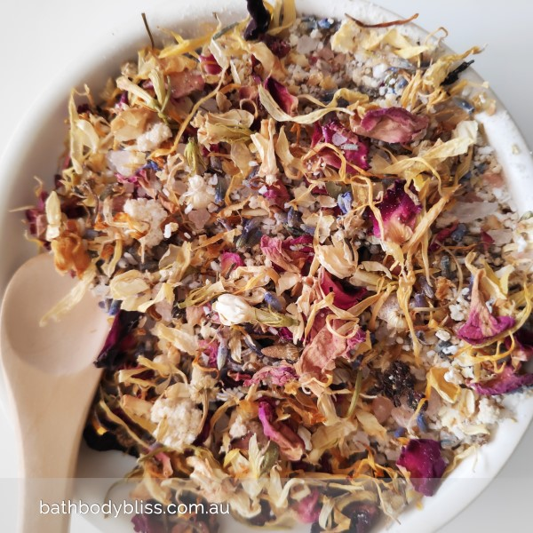 Handmade Botanical Bath Tea with Essential Aromatherapy Oils